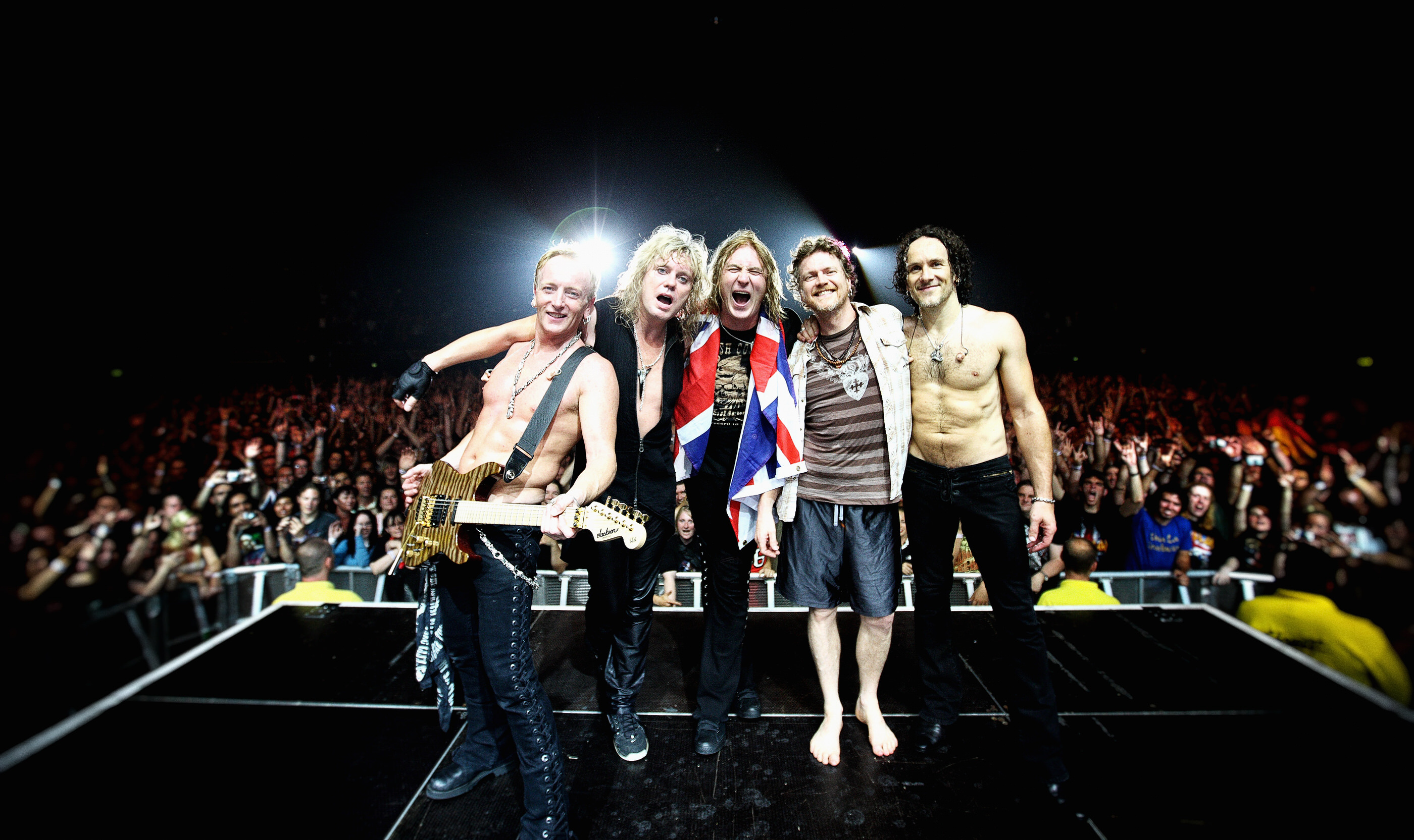 Def Leppard Wembley Arena London by Ash Newell Photography