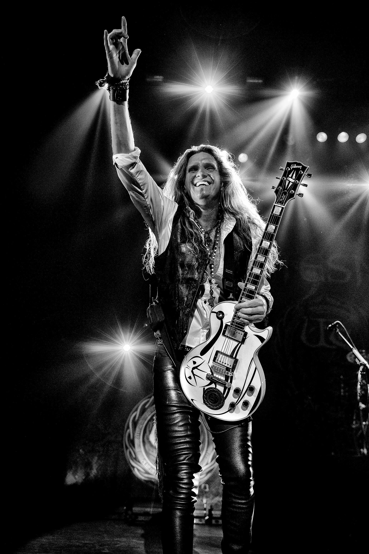 Joel Hoekstra Whitesnake Indianapolis 2016 © Ash Newell Photogr