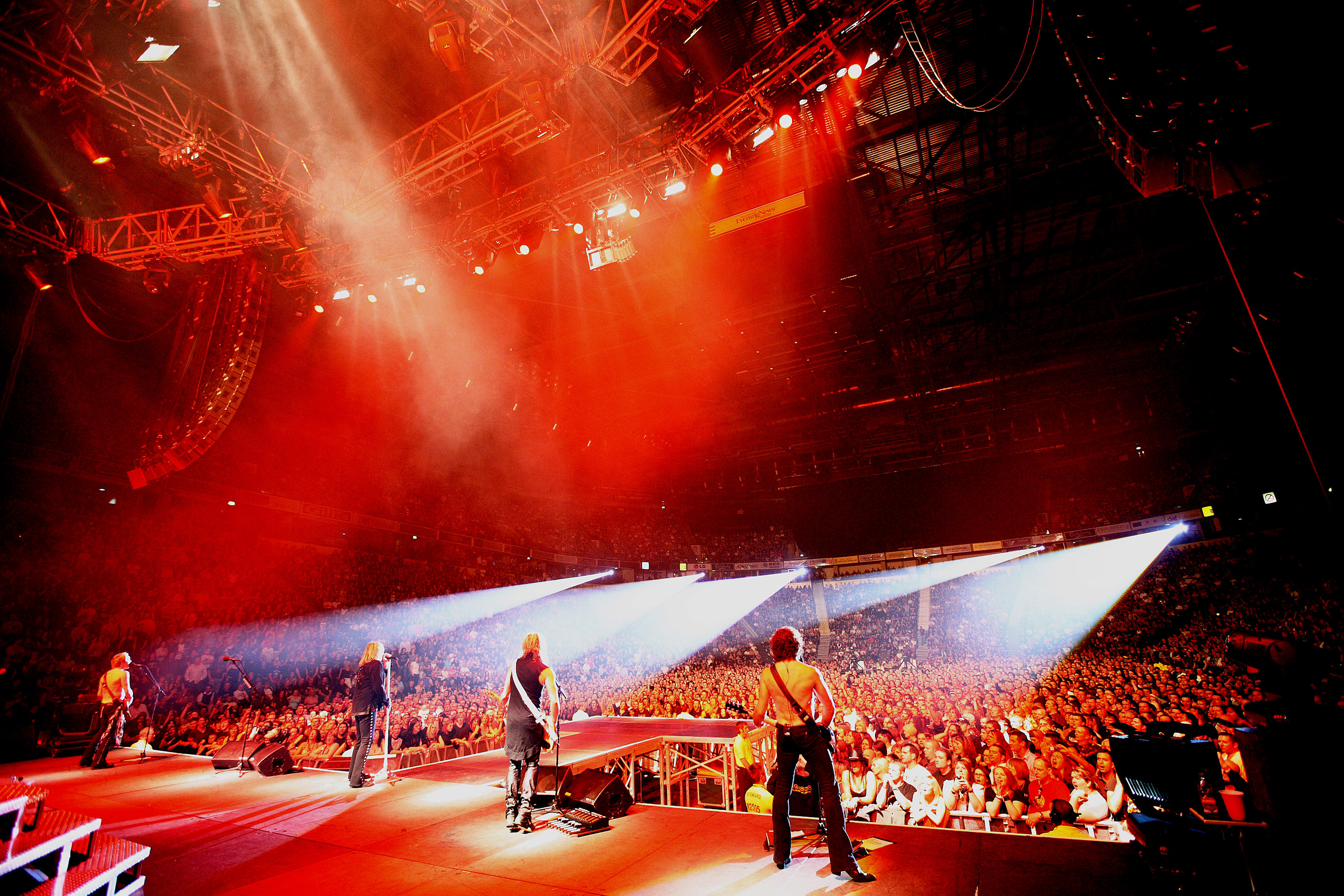 Def Leppard Manchester M.E.N. 2008 by Ash Newell