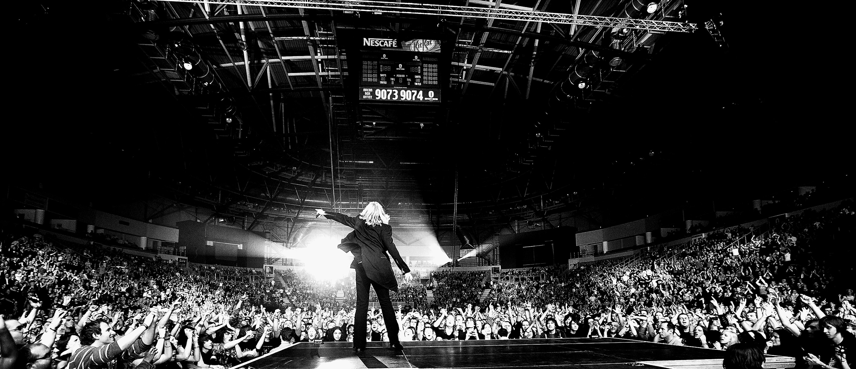 Joe Elliott Def Leppard Belfast 2008 by Ash Newell