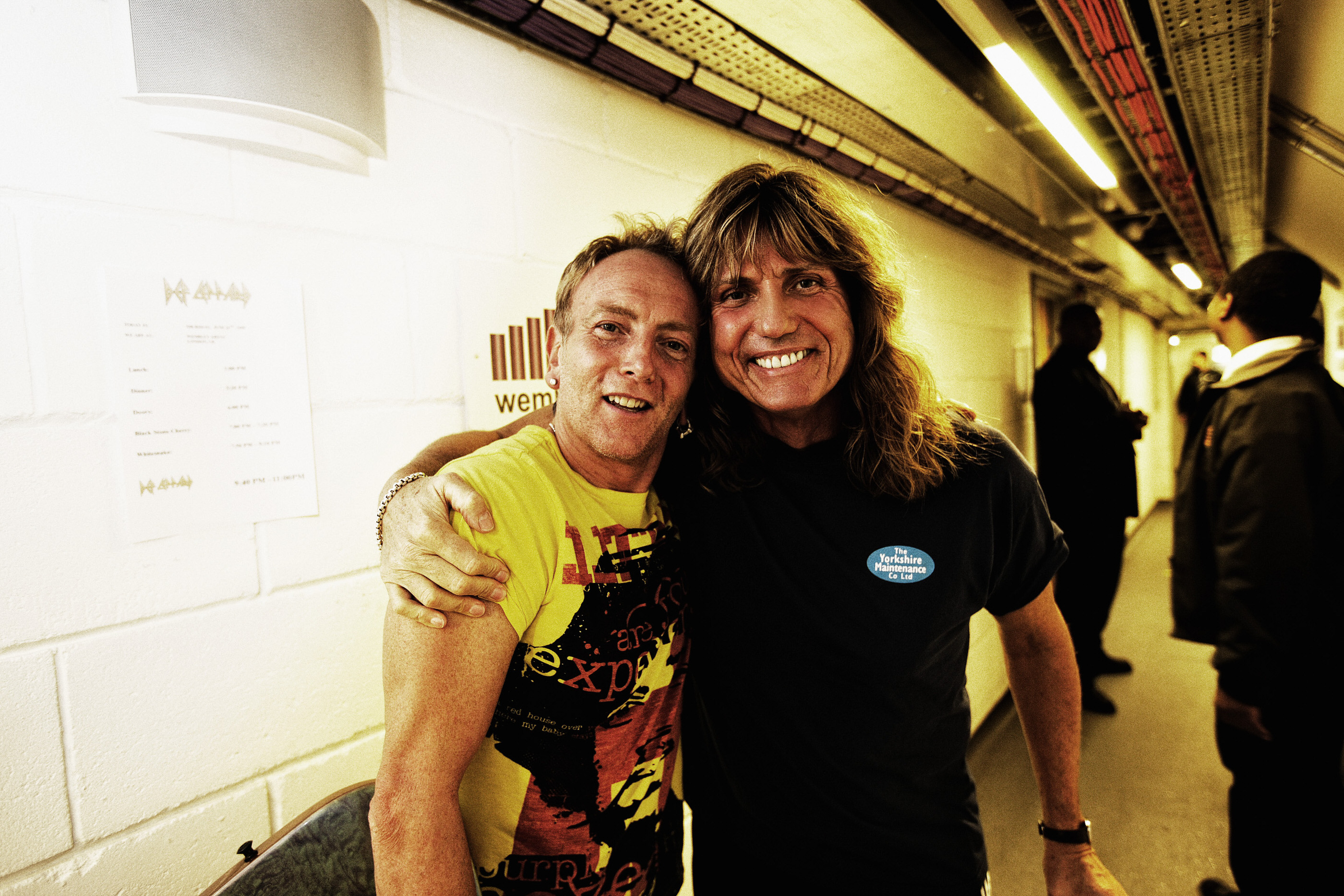 Phil Collen and David Coverdale  Def Leppard Whitesnake backstag