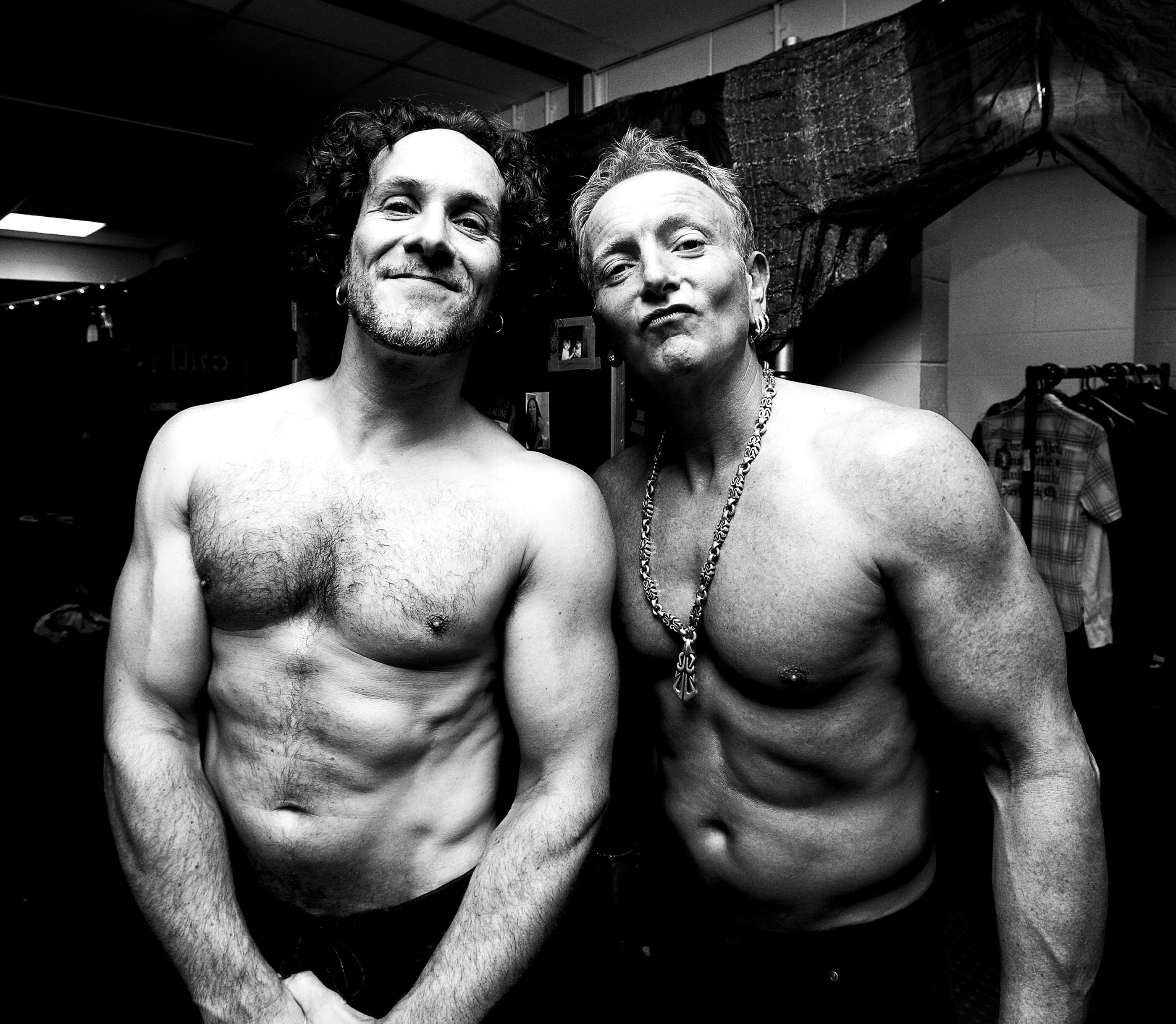 vivian and phil def leppard backstage sheffield 2008 by ash newe
