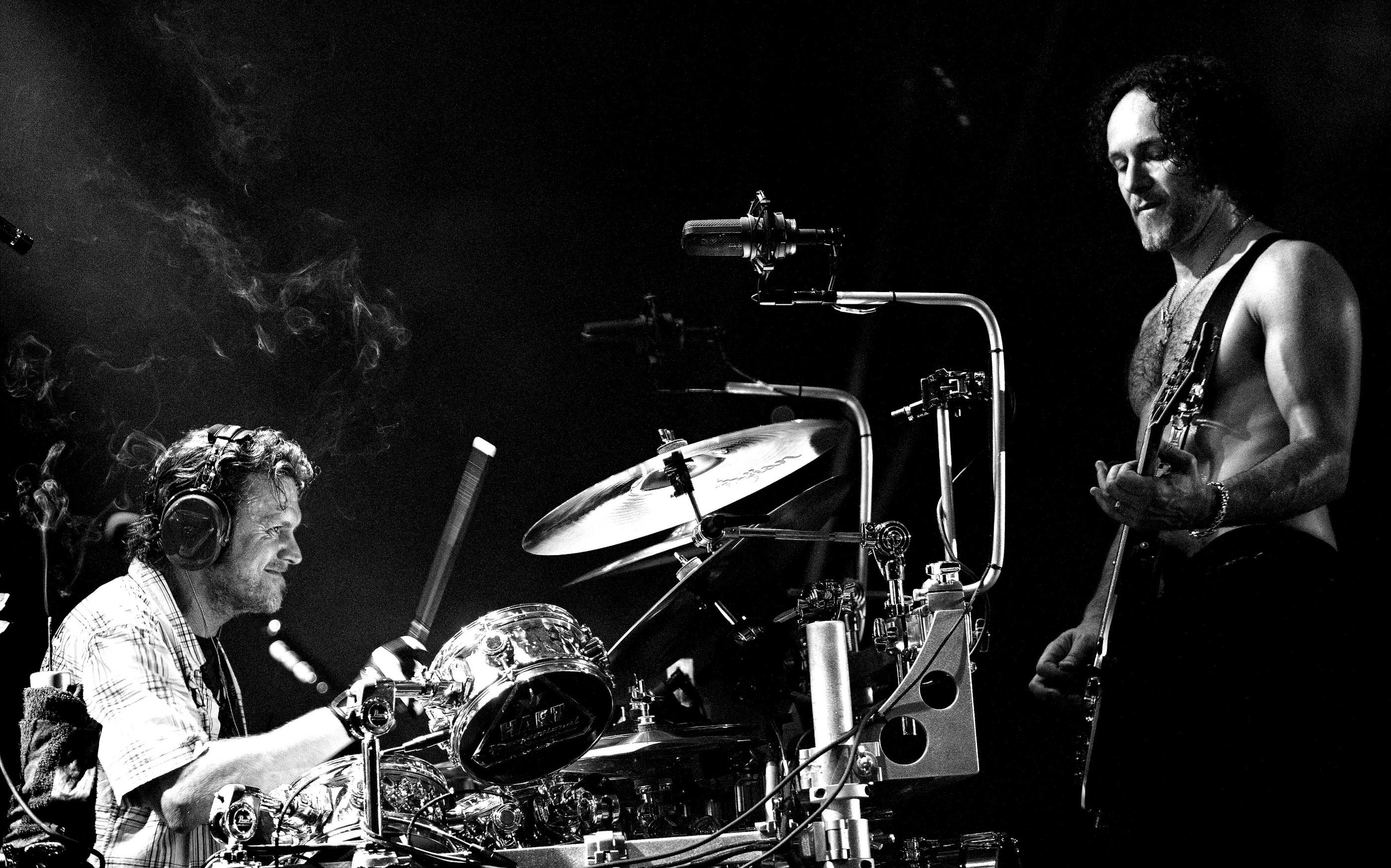Rick Allen and Vivian Campbell Def Leppard Belfast 2008 by Ash N