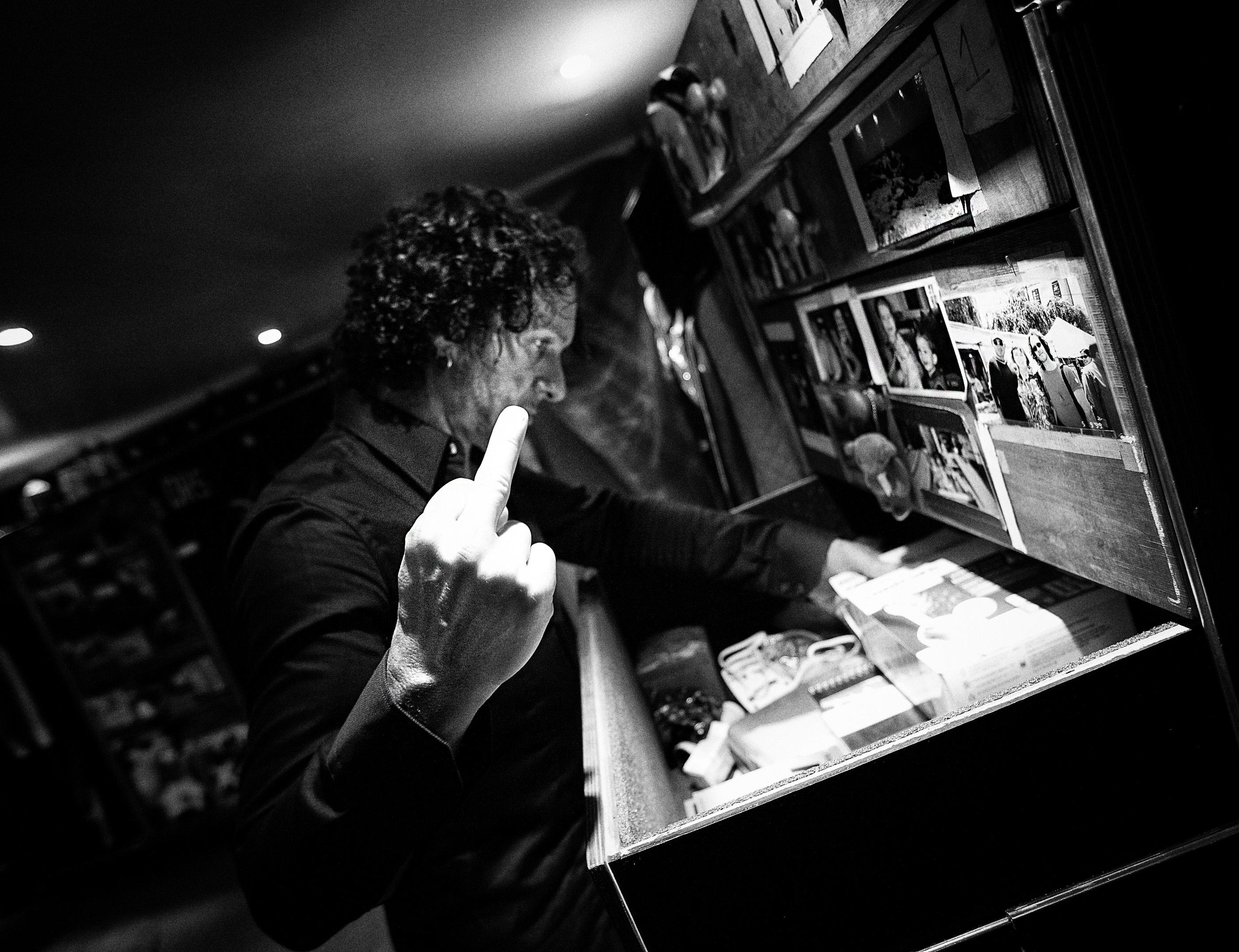 Vivian Campbell Def Leppard London backstage 2008 by Ash Newell