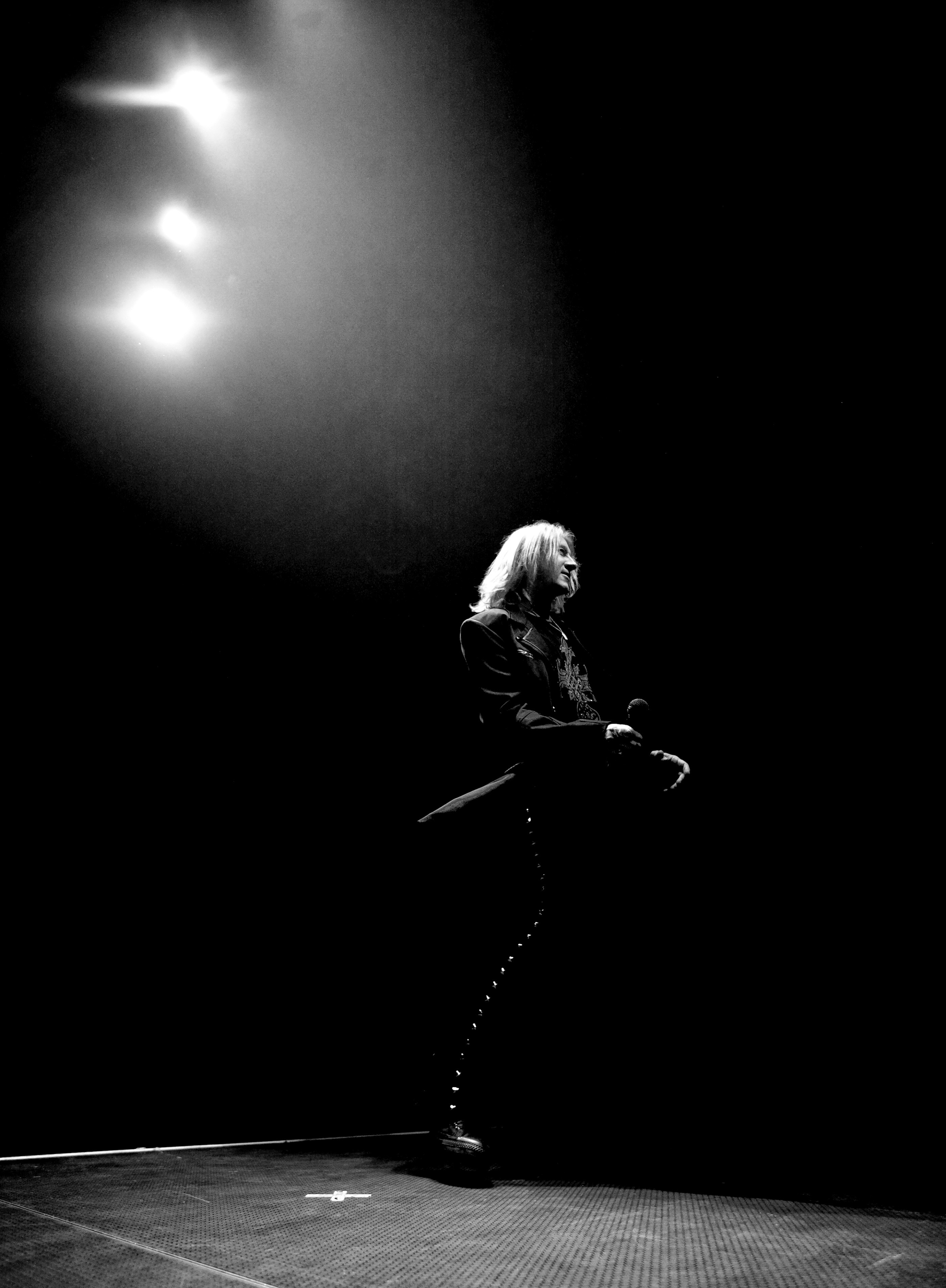 joe elliott def leppard Belfast 2008 photographed by ash newell
