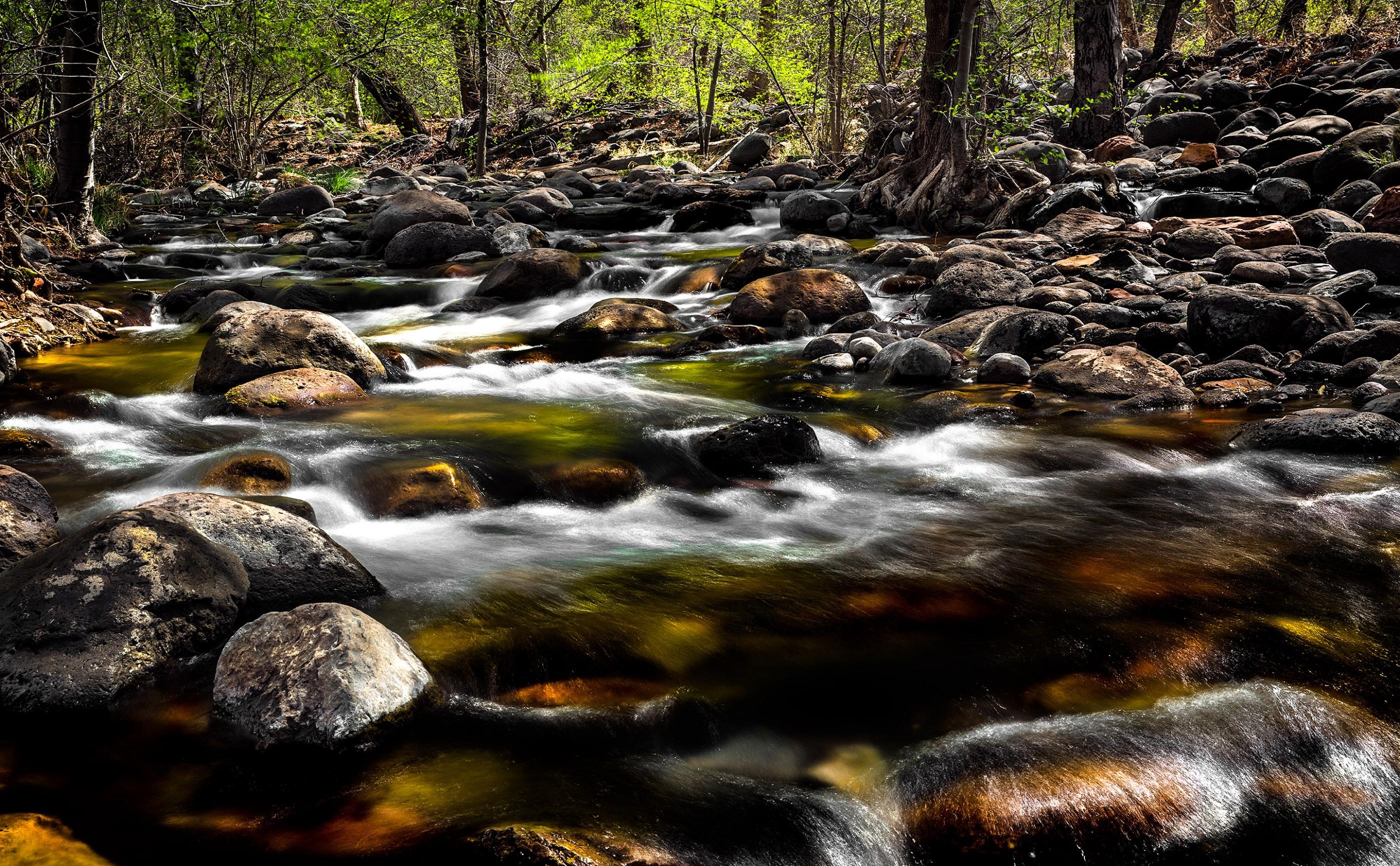 oak-creek-cascade-river-sedona-arizona-