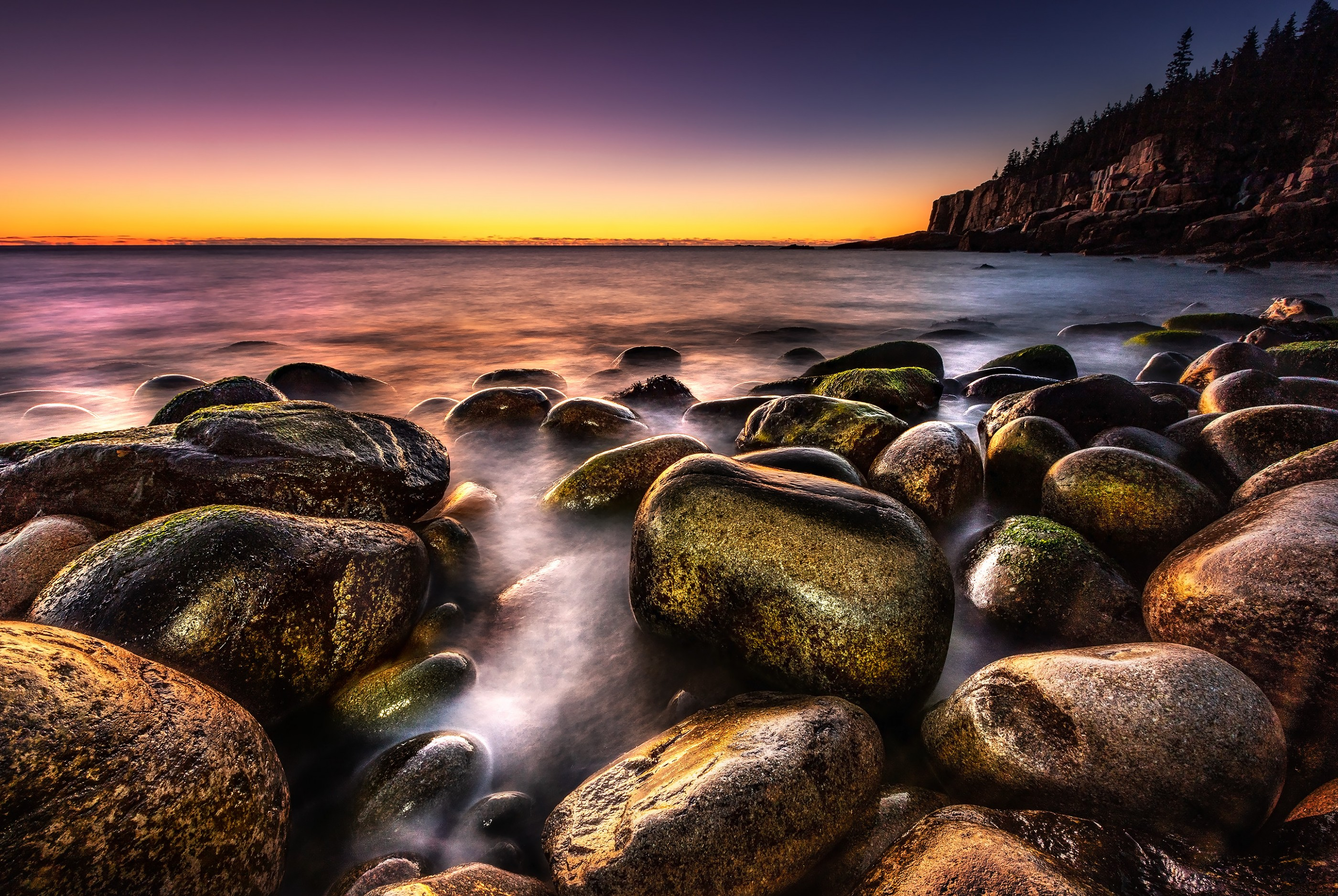 boulder-beach-sunrise-acadia-maine-ash-newell