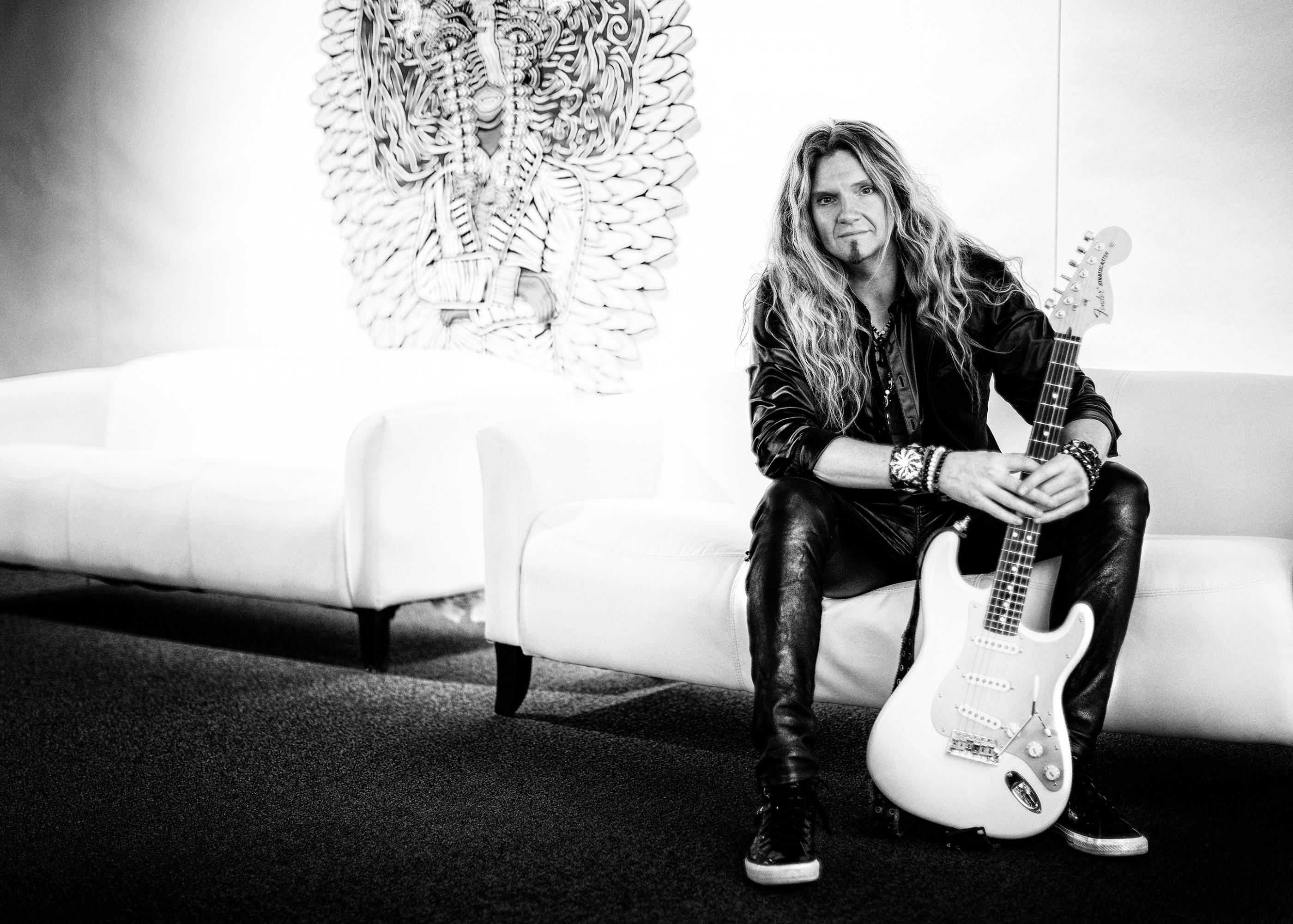 joel-hoekstra-whitesnake-guitarist-3-ash-newell