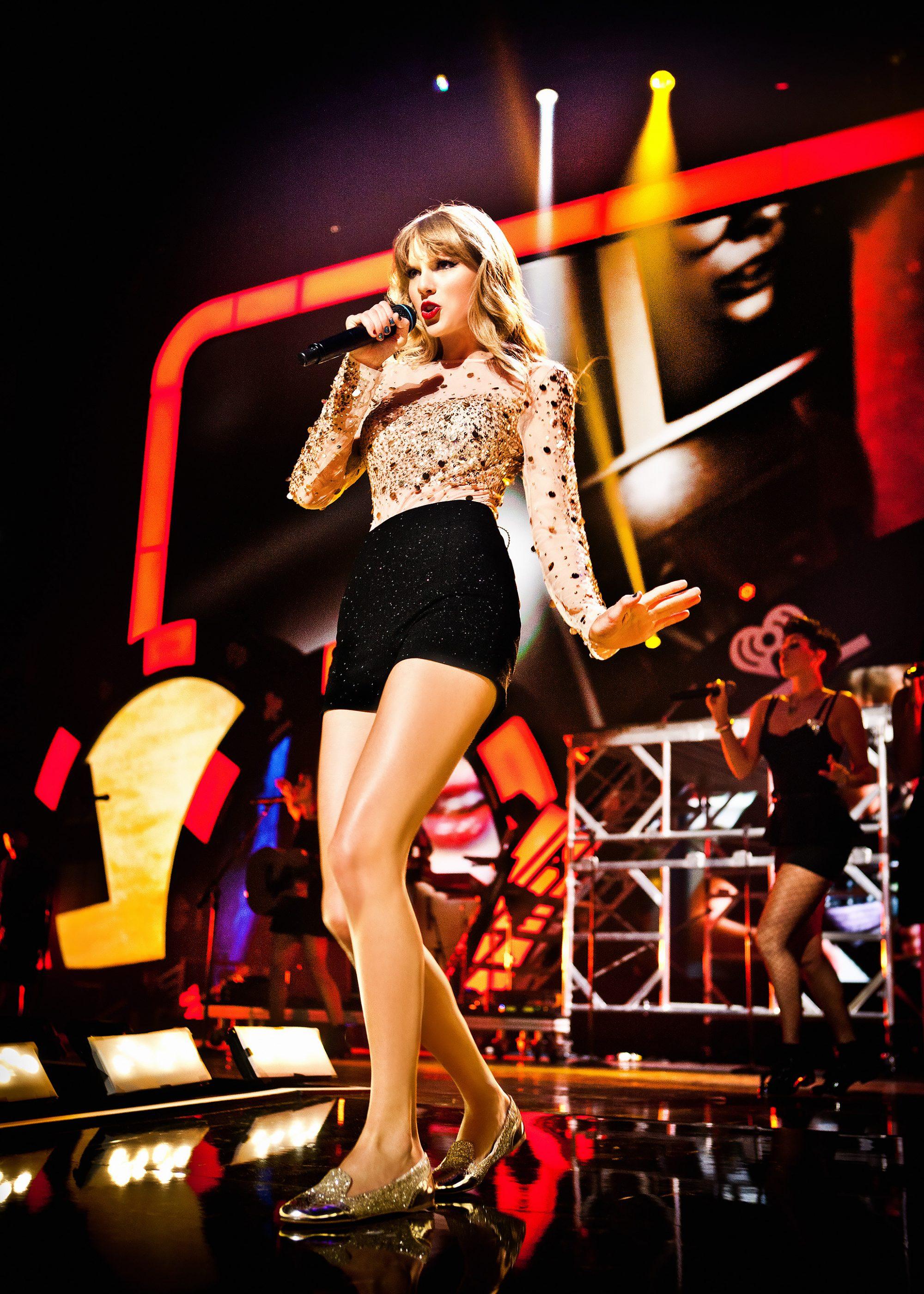 Taylor Swift I ❤ Radio